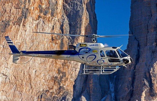 vrtulník v tyrolsku