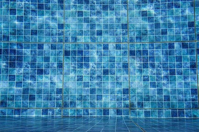 stěna a dno bazénu